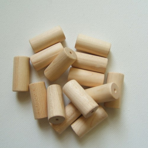 Dřevěné korálky  12x28 mm 15ks