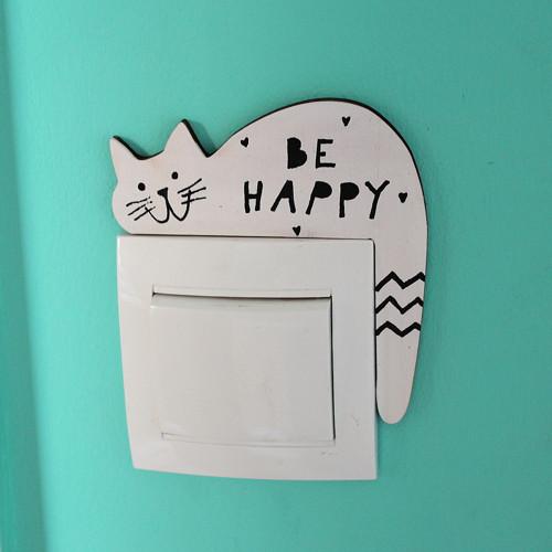 Dřevěná KOČKA na vypínač BE HAPPY