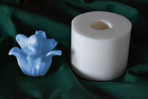 Forma na svíčky Andílek v kvítku - výška 5cm
