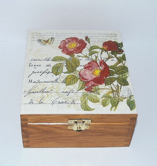 Krabička  či šperkovnice růžičková I.