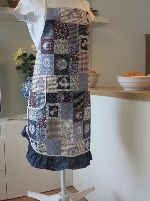 Zástěra - s volánem - patchworkový vzor