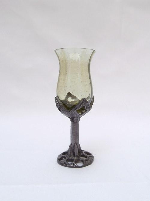 likérová sklenička - gotika