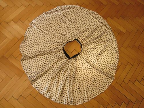 Kolová sukně - černobílá