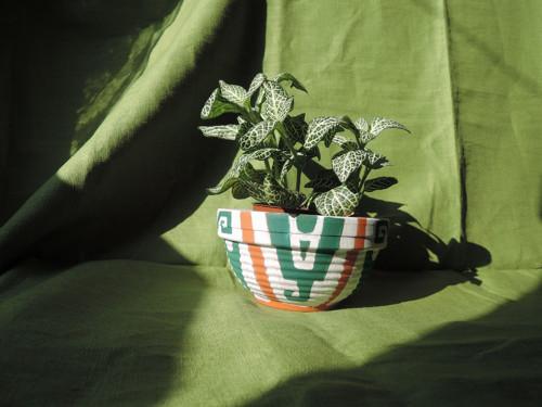 Aztécké ohlédnutí - malovaný květináč