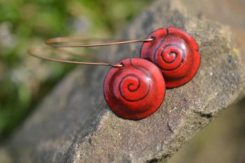 červené spirálky