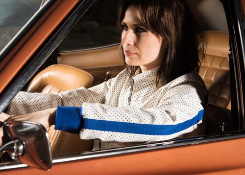Bundička bílá koženková pro závodnice - bílá/modrá