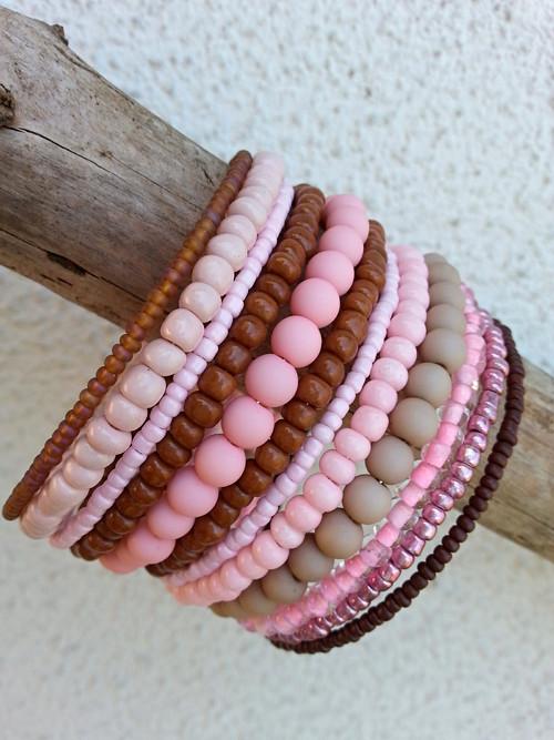 Hnědo- růžový náramek