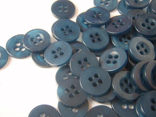 knoflíček tmavě modrý 10 ks