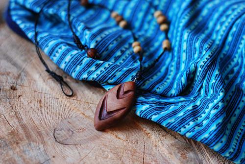 Dřevěný přívěšek - Totem