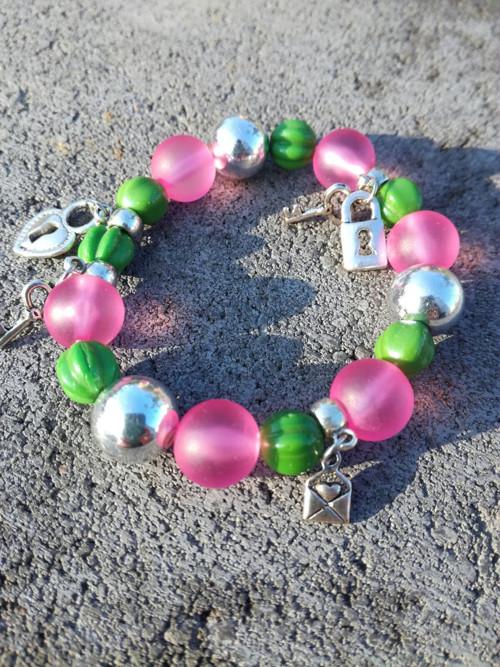Náramek zeleno-růžový
