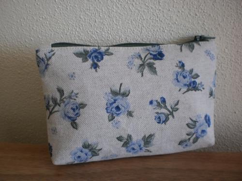 Taštička do kabelky modré růže na režné
