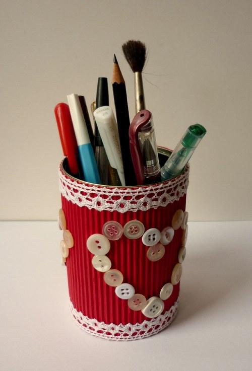 Stojan na perá a ceruzky so srdiečkami