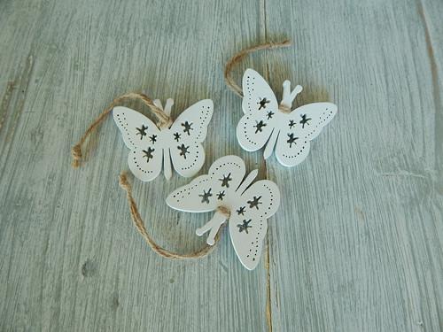Motýlek závěsný výřez