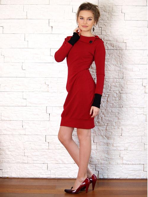 Červené úpletové šaty / různé barvy