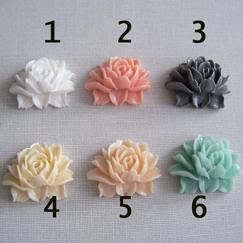 Prysk. kabošon růže/ vanilka č.4/ 35x45mm/ 1ks