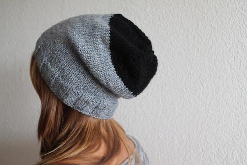 Čepice šedo-černá