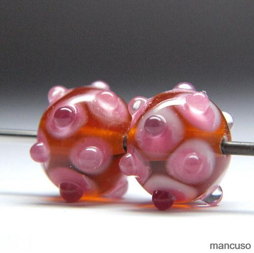 jantarová s růžovým melírem