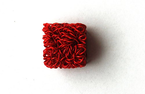 kostička z drátku- červená