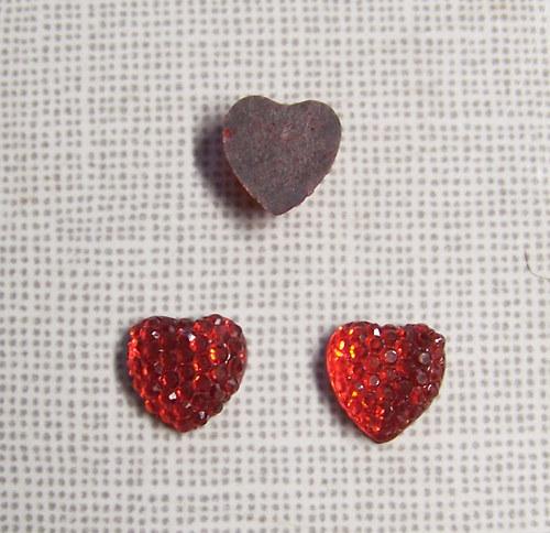 Kabošon kamínky srdce/ červená/ 10mm/ 2ks