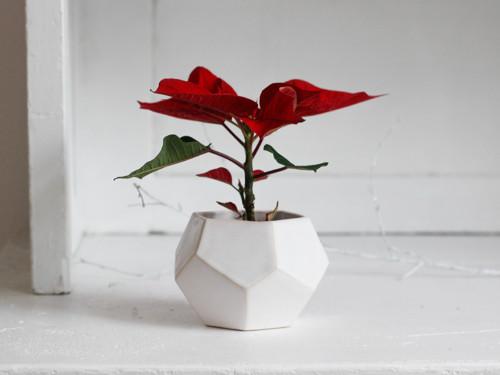 obal na květináč- geo- bílý