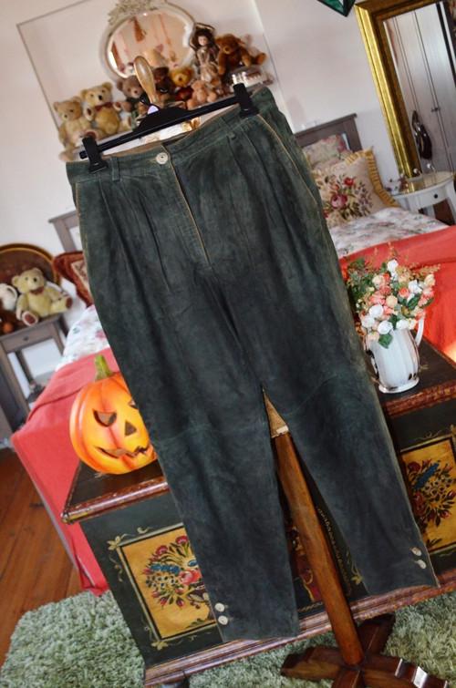 Dobové úžasné kožené kalhoty zelené