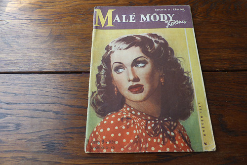 Příručka časopisu Žena a Móda 5/ 1947