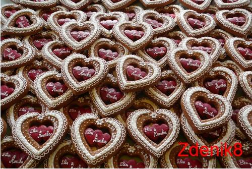 Svatební perníkové srdce v červeném