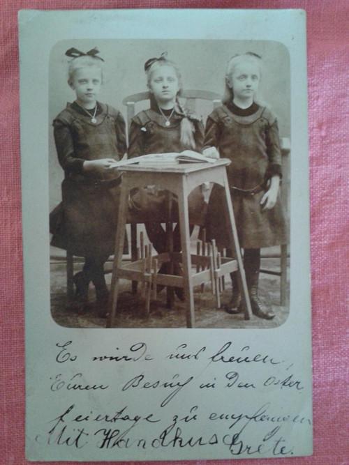 Tři sestřičky fotopohlednice