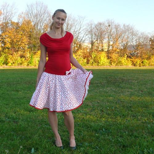 Bílo-červená puntíkovaná sukně