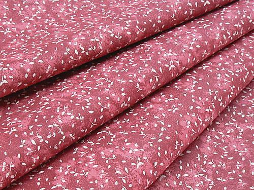 Ružovo-bordový lístoček