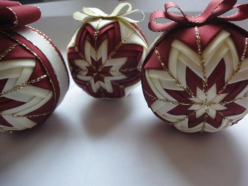 Sada vánočních koulí
