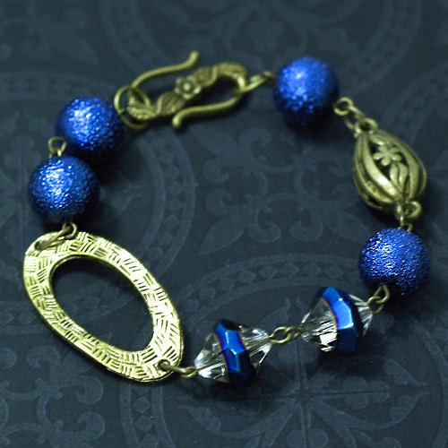 Náramek v modrých odstínech