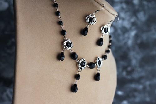 Andrie - black - souprava náhrdelník vč.náušnic*