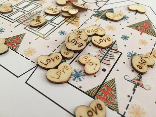 Love dřevěná 10ks