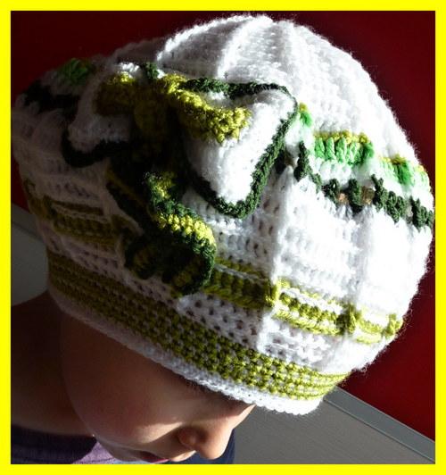 Háčkovaná čepice - bekule - baret s mašlí 2-5let