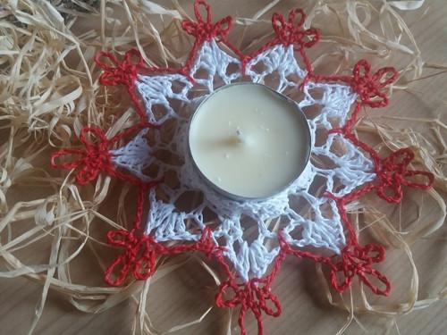 bílo- červený svícen