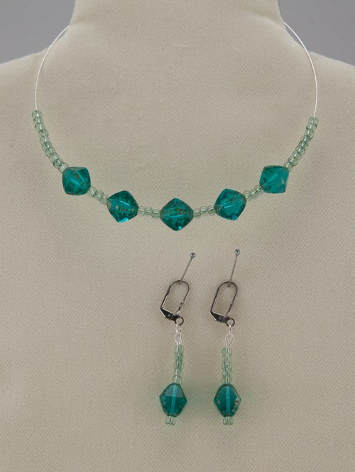 """Spr náhrdelník a náušnice - \""""smaragdová sedma\"""""""
