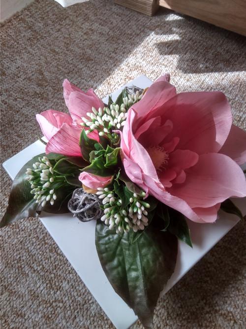 Romantická růžová magnolie