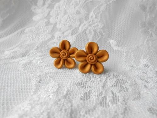 Malé květinky zlaté
