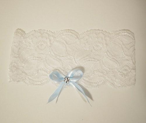 Svatební podvazek hladký krajkový s modrou mašlí