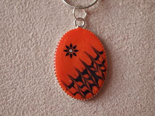 Náhrdelník oranžový s černou malbou