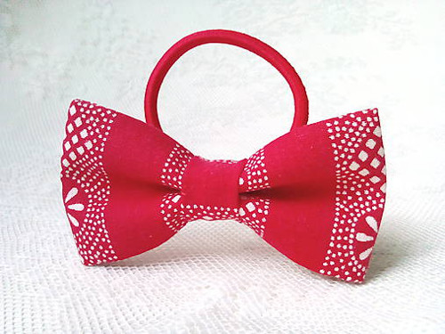 Red folk hair bow