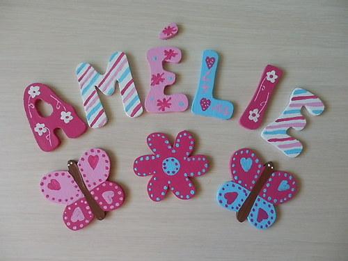 Dřevěné písmenka + dekorace Kytičky a Motýl