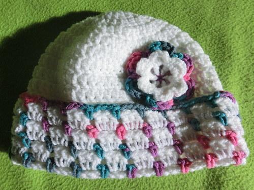 Dětská čepička z akrylové příze a bavlny