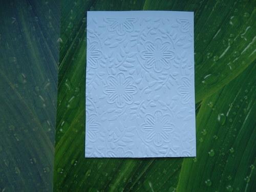 embosovaný papír č.19