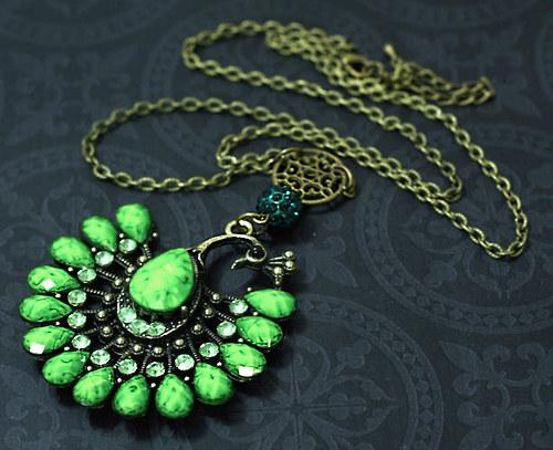 Paví elegance - blýskavý náhrdelník