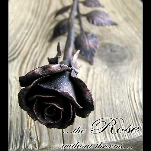 Kovaná růže - poupě