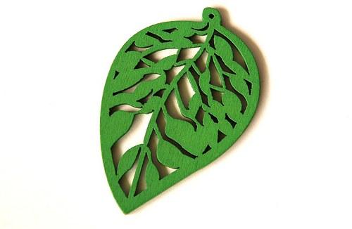 dřevěné lístečky- světlejší zelená