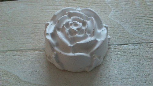 sádrová mini růžička