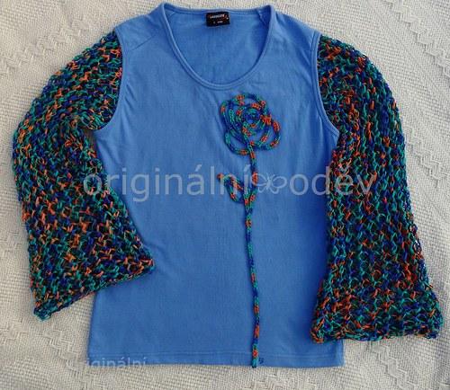 Tričko s pletenými rukávy a aplikací